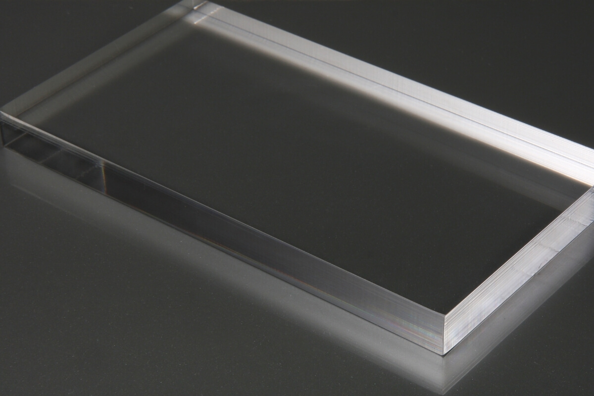 How To Cut Plexiglass with a Table Saw Featured Image