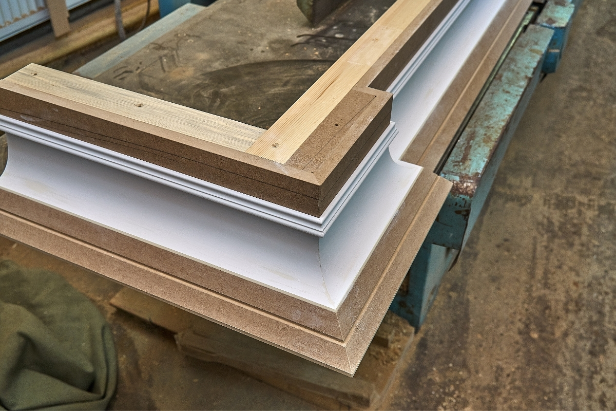 How to Make Crown Molding With a Table Saw Image