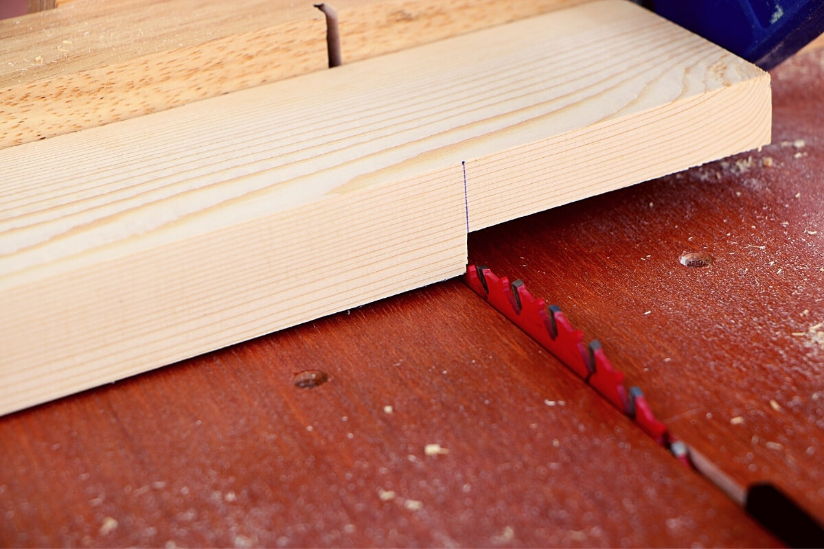 How to Make a Rabbet Joint With a Table Saw Image