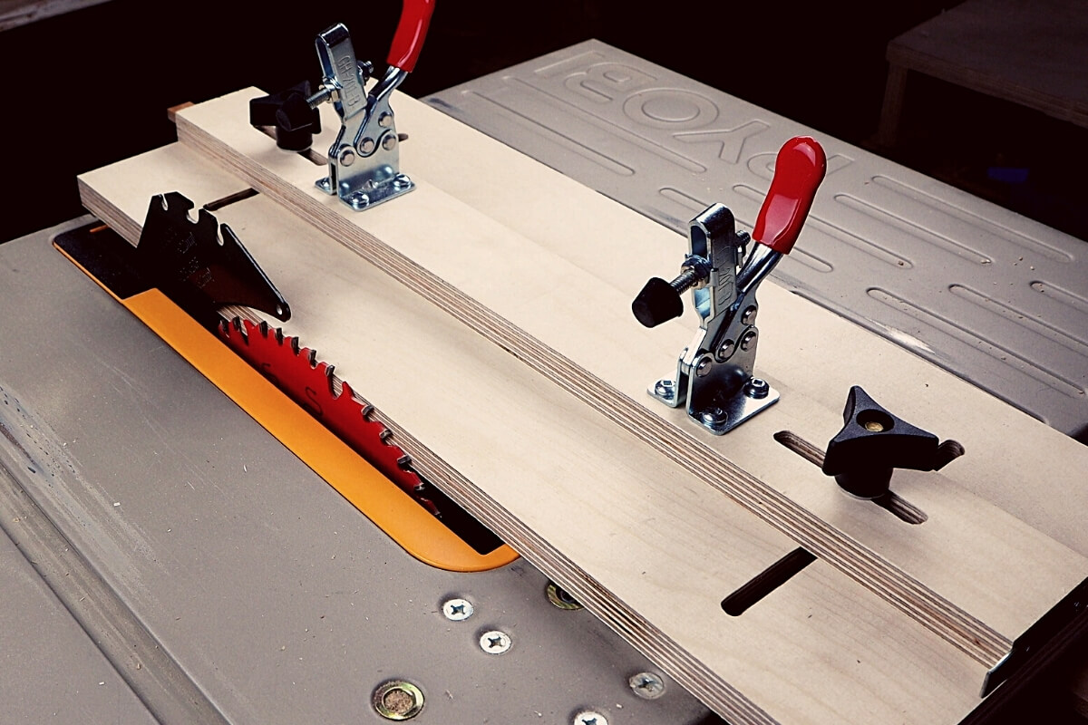 How to Make a Taper Jig for a Table Saw Image