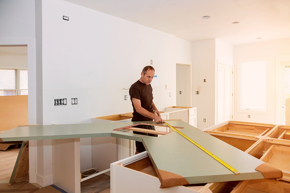 How to cut Laminate Countertop with Table Saw Featured Image