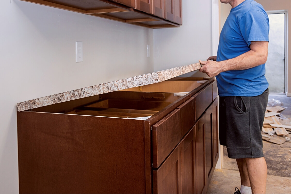 How to cut Laminate Countertop with Table Saw Image
