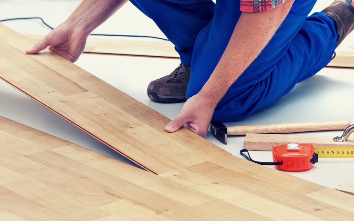 How To Cut Laminate Flooring With A Utility Knife Featured Image